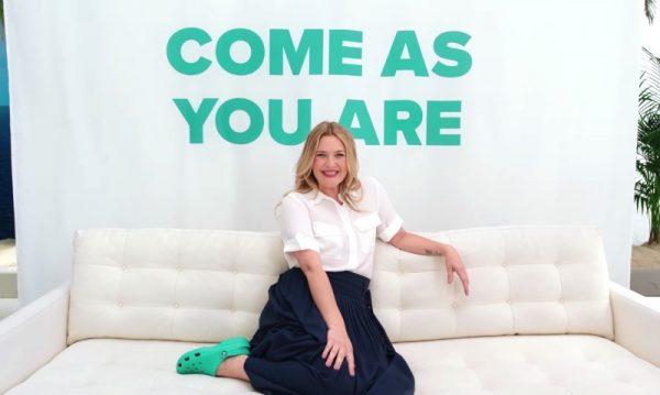 #ComeAsYouAre: Um Musical da Crocs com Drew Barrymore