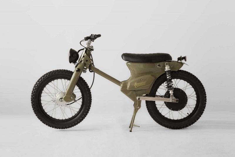 eCub 2 é uma motocicleta elétrica com um visual retrô criada pela equipe do Shangai Customs. Essa moto foi criada através da combinação do chassi da Honda Super Cub com um motor elétrico de mais de 1000 watts que controla a roda traseira e uma bateria de lítio de 3.7v 3.400 mAh da Panasonic.