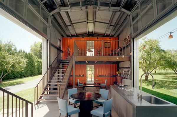 Você viveria numa casa feita de containers?