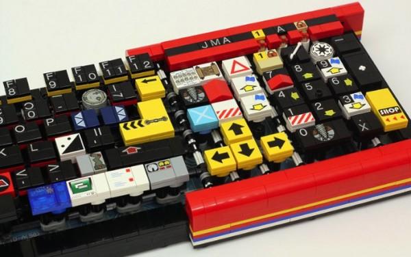 Um Teclado feito de Lego