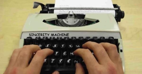 Sincerity Machine: Datilografia em Comic Sans
