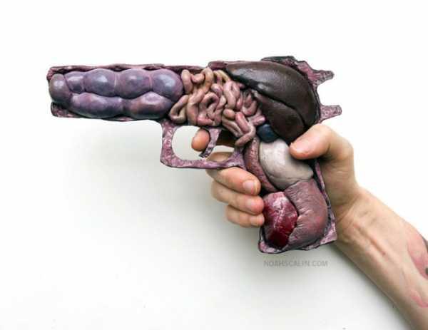Anatomia de Guerra de Noah Scalin