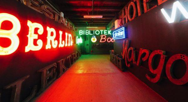 Neon Museum: Visitando o museu do neon em Varsóvia