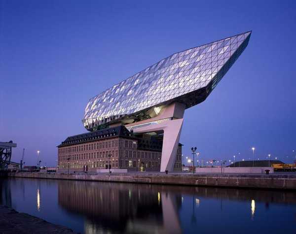 Zaha Hadid Architects no porto da Antuérpia