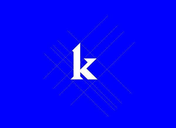 Kunt é uma fonte gratuita modular blackletter