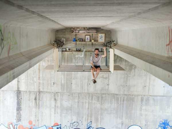 Fernando Abellanas criou um estúdio secreto embaixo de uma ponte em Valencia