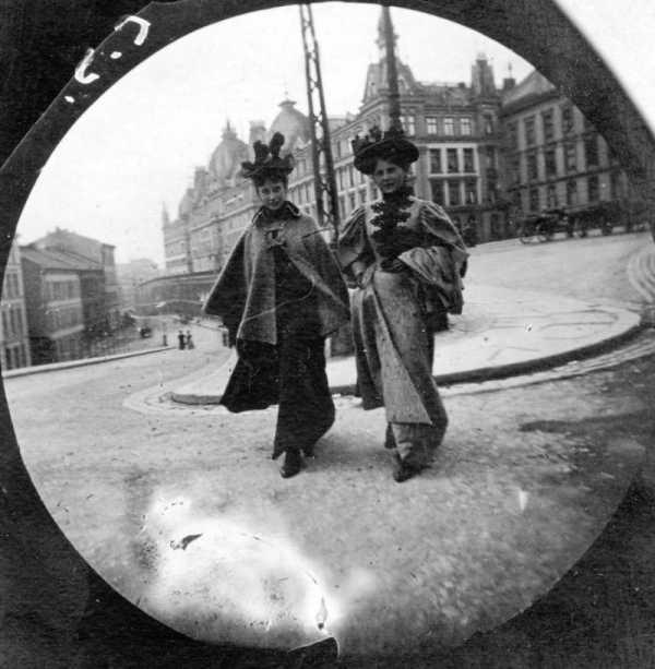 Fotografando com uma câmera escondida na Oslo de 1890 com Carl Størmer