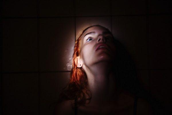 Retratos Femininos Cheios de Personalidade por Masha Demionova
