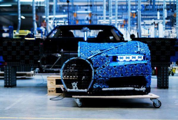 Uma Lego Bugatti em tamanho real e que você pode dirigir