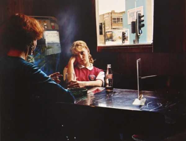 Celebrando 20 anos da fotografia de Hannah Starkey