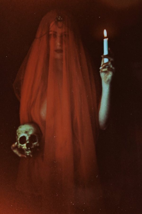 A Arte Conceitual e a Fotografia de Courtney Brooke