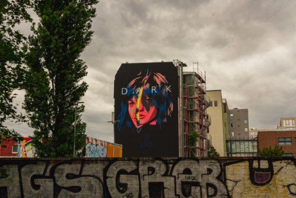 Visitando os Murais de Dark por Berlim