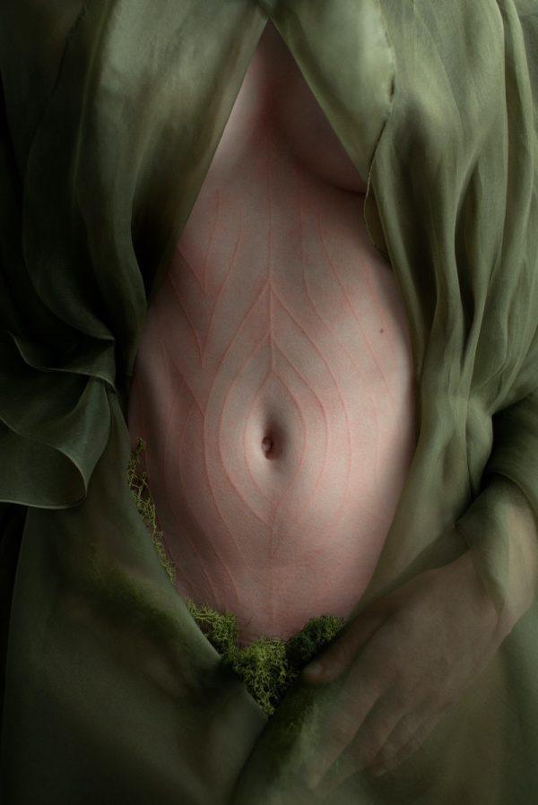 O Erotismo Feminino de Iness Rychlik
