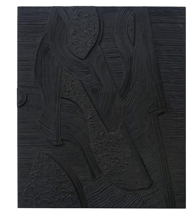 As pinturas de Kinsey usam da natureza como inspiração, o mundo natural é apresentado através de formas abstratas figurativas que aparecem em paisagens áridas. Tudo isso é construído a partir de um plano de cor quase orgânico que dão a essas formas uma sensação de solidão. Uma questão quase existencialista.