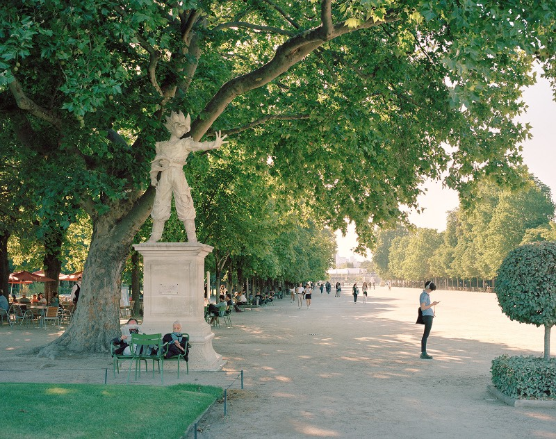 Foi em meados de 2015 que Benoit Lapray estava passeando pelas ruas de Paris quando começou a pensar em um projeto de fotografia que poderia ser colocado em prática usando os monumentos mais famosos da cidade. Sua ideia foi a de adicionar heróis da cultura popular no lugar de alguns monumentos parisienses.